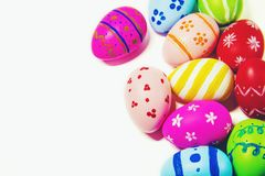 Τέλειο χέρι αυγών Πάσχας - που γίνεται απομονωμένο στο λευκό υπόβαθρο Στοκ Φωτογραφία