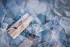 Τέλος του χειμώνα, σφαιρική έννοια θέρμανσης Αλλαγή εποχών Αντίγραφο SP Στοκ Φωτογραφία