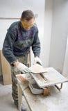 τέμνοντα κεραμίδια Στοκ φωτογραφία με δικαίωμα ελεύθερης χρήσης