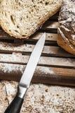 τέμνον μέταλλο μαχαιριών ψωμιού Στοκ εικόνες με δικαίωμα ελεύθερης χρήσης