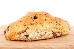 τέμνουσα σταφίδα ψωμιού χ&alph Στοκ εικόνες με δικαίωμα ελεύθερης χρήσης