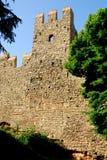 Τέντωμα των αρχαίων τοίχων πόλεων στην κωμόπολη Monselice στην επαρχία της Πάδοβας στο Βένετο (Ιταλία) στοκ εικόνα