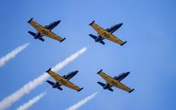 Τέσσερα από το άλμπατρος λ-39 Ρωσική aerobatic ομάδα Russ Στοκ εικόνα με δικαίωμα ελεύθερης χρήσης