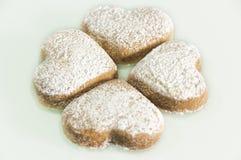 Διαμορφωμένα καρδιά μπισκότα Στοκ φωτογραφίες με δικαίωμα ελεύθερης χρήσης