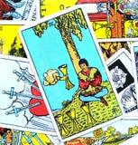 Τέσσερα IV της απομυθοποίησης αποστροφής απάθειας καρτών Tarot φλυτζανιών απεικόνιση αποθεμάτων