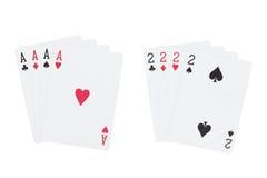 Τέσσερις άσσοι που παίζουν κοστούμια καρτών και τέσσερα δύο κοστούμια καρτών παιχνιδιού Στοκ φωτογραφίες με δικαίωμα ελεύθερης χρήσης
