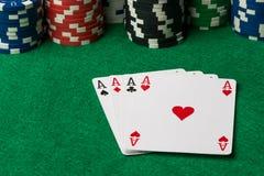 Τέσσερις από άσσους τους καλούς πόκερ χεριών στοκ φωτογραφία με δικαίωμα ελεύθερης χρήσης