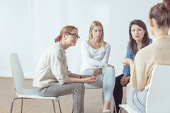 Τέσσερις επιτυχείς γυναίκες Στοκ φωτογραφίες με δικαίωμα ελεύθερης χρήσης