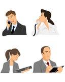 Τέσσερις επιχειρηματίες στο γραφείο Διανυσματική απεικόνιση