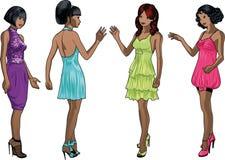 Τέσσερις κυρίες στα φορέματα κοκτέιλ Στοκ Φωτογραφία