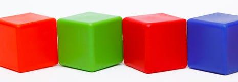 Χρωματισμένοι κύβοι Στοκ φωτογραφία με δικαίωμα ελεύθερης χρήσης