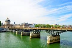 τέχνες des Παρίσι pont Στοκ εικόνα με δικαίωμα ελεύθερης χρήσης