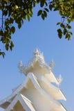 τέχνης έλξης το όμορφο rai khun chiang καλλιεργητικό λεπτό rong αναθέτει το λευκό της Ταϊλάνδης ναών wat Στοκ Εικόνες