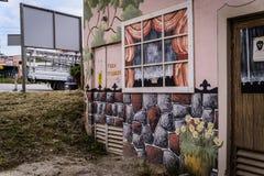 Τέχνη οδών στους ηλεκτρικούς μετασχηματιστές που χτίζουν - Τουρκία Στοκ Εικόνες
