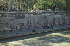 Τέχνη οδών κατά μήκος Tiber Στοκ Εικόνες
