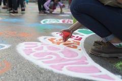 Τέχνη στο δρόμο που χρησιμοποιεί τις χρωστικές ουσίες Στοκ εικόνα με δικαίωμα ελεύθερης χρήσης
