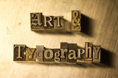 Τέχνη & τυπογραφία - letterpress μετάλλων γράφοντας σημάδι Στοκ φωτογραφία με δικαίωμα ελεύθερης χρήσης