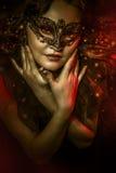 Τέχνη φαντασίας, γυναίκα με την ενετική μάσκα, cabaret Στοκ εικόνα με δικαίωμα ελεύθερης χρήσης