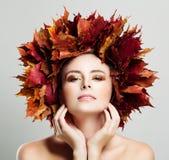 Τέλειο πρότυπο μόδας γυναικών με το υγιές δέρμα Στοκ εικόνα με δικαίωμα ελεύθερης χρήσης
