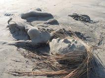 Τέλος θερινών διακοπών - γλυπτό άμμου γοργόνων στοκ φωτογραφίες