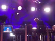 Ταινίες του Chris Matthews στο υπαίθριο στούντιο κατά τη διάρκεια της δημοκρατικής Συνθήκης Στοκ εικόνες με δικαίωμα ελεύθερης χρήσης