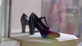 Τακούνια των μοντέρνων γυναικών φιλμ μικρού μήκους