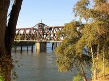 Ταλάντευση Ι ζευκτόντων γέφυρα οδών του Σακραμέντο, ασβέστιο, ΗΠΑ στοκ φωτογραφία με δικαίωμα ελεύθερης χρήσης