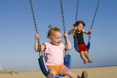 ταλάντευση μωρών Στοκ φωτογραφία με δικαίωμα ελεύθερης χρήσης