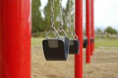 ταλάντευση παιδικών χαρών Στοκ φωτογραφία με δικαίωμα ελεύθερης χρήσης