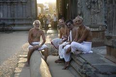ΤΑΜΊΛ NADY, ΙΝΔΙΑ - 14 ΑΠΡΙΛΊΟΥ: Ένας μη αναγνωρισμένος ινδός μοναχός brahmin Στοκ εικόνες με δικαίωμα ελεύθερης χρήσης