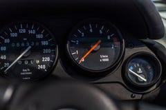 ταμπλό ενός σπορ αυτοκίνητο στοκ φωτογραφία με δικαίωμα ελεύθερης χρήσης