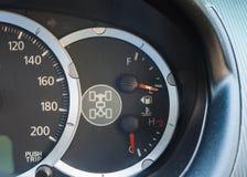Ταμπλό του αυτοκινήτου με το μετρητή καυσίμων, κενή δεξαμενή Στοκ εικόνα με δικαίωμα ελεύθερης χρήσης