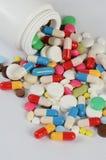 Ταμπλέτες στη συσκευασία Ένα ιατρικό υπόβαθρο Στοκ φωτογραφία με δικαίωμα ελεύθερης χρήσης