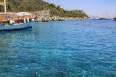 Ταξίδια βαρκών κόλπων πράσινης θάλασσας yesil Marmaris deniz σε Marmaris στοκ εικόνες