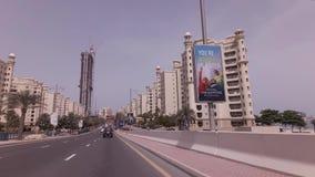 Ταξίδι αυτοκινήτων στους δρόμους στο τεχνητό βίντεο μήκους σε πόδηα αποθεμάτων Jumeirah φοινικών αρχιπελαγών φιλμ μικρού μήκους