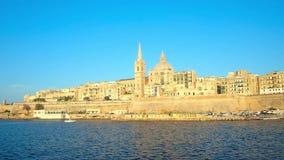 Ταξίδι γιοτ κατά μήκος Valletta, Μάλτα απόθεμα βίντεο