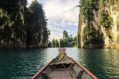 Ταξίδι με τη βάρκα στο φράγμα Rajjaprabha στοκ φωτογραφία με δικαίωμα ελεύθερης χρήσης