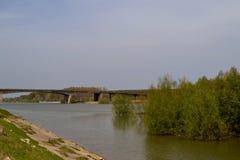 Ταξίδι μια άνοιξη στον ποταμό Στοκ εικόνα με δικαίωμα ελεύθερης χρήσης