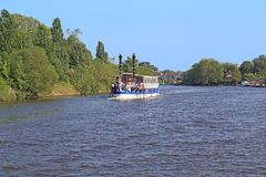 Ταξίδι ποταμών στον Τάμεση Στοκ εικόνα με δικαίωμα ελεύθερης χρήσης