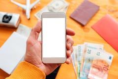 Ταξίδι που προγραμματίζει και που κρατά app για το κινητό τηλέφωνο Στοκ Εικόνες