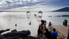 Ταξίδι σε Tikal και τη στάση για να δει μια άποψη λιμνών Στοκ εικόνες με δικαίωμα ελεύθερης χρήσης