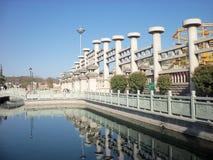 Ταξίδι στην Κίνα, την άνοιξη και τον ποταμό στοκ εικόνα