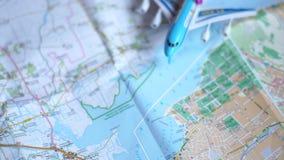 Ταξίδια έννοιας μέσω του κόσμου απόθεμα βίντεο
