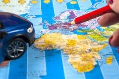 Ταξίδι - έννοια Προγραμματισμός ταξιδιών αυτοκινήτων Προϊόντα πρώτης ανάγκης τουριστών Διάστημα για το κείμενο Στοκ φωτογραφία με δικαίωμα ελεύθερης χρήσης