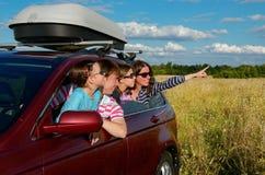 Ταξίδι αυτοκινήτων στις οικογενειακές διακοπές Στοκ εικόνες με δικαίωμα ελεύθερης χρήσης