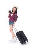 Ταξίδι γυναικών Νέος όμορφος ασιατικός ταξιδιώτης γυναικών με τη βαλίτσα Στοκ φωτογραφίες με δικαίωμα ελεύθερης χρήσης