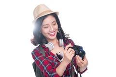 Ταξίδι γυναικών Νέος όμορφος ασιατικός ταξιδιώτης γυναικών που παίρνει pictur Στοκ φωτογραφία με δικαίωμα ελεύθερης χρήσης