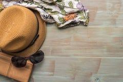Ταξίδι, θερινές διακοπές, τουρισμός και έννοια αντικειμένων - κλείστε επάνω Στοκ Εικόνες