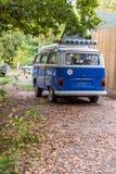 Ταξίδι διακοπών οδικού ταξιδιού καλοκαιρινών διακοπών και έννοια ανθρώπων Στοκ Εικόνα