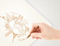 Ταξίδι διακοπών σχεδίων χεριών γύρω από τη γη με τα ορόσημα και το γ Στοκ εικόνες με δικαίωμα ελεύθερης χρήσης